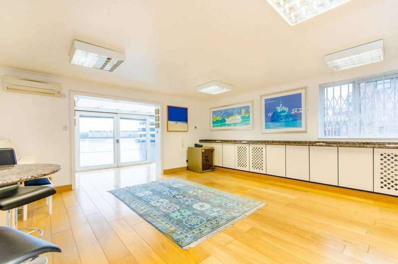 2 Bedrooms Maisonette Flat for sale in Pepper Street, Canary Wharf, E14