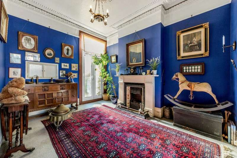 4 Bedrooms Terraced House for sale in Beechdale Road, London, London SW2