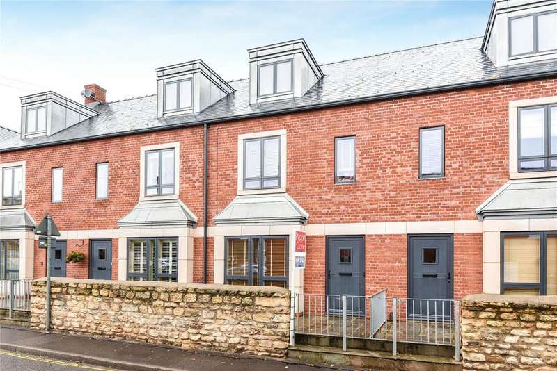 3 Bedrooms Terraced House for sale in Langworthgate, Lincoln, LN2