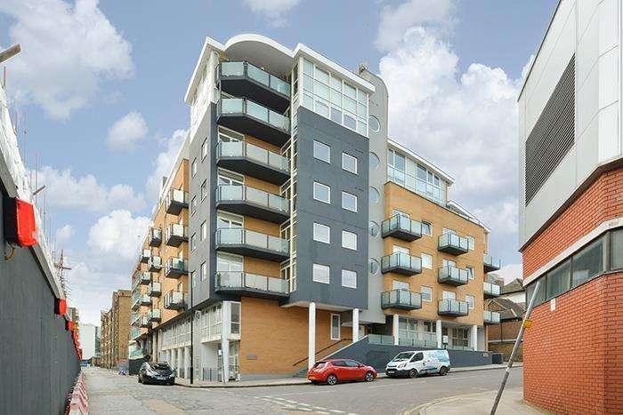 2 Bedrooms Apartment Flat for sale in Artichoke Hill, London, E1