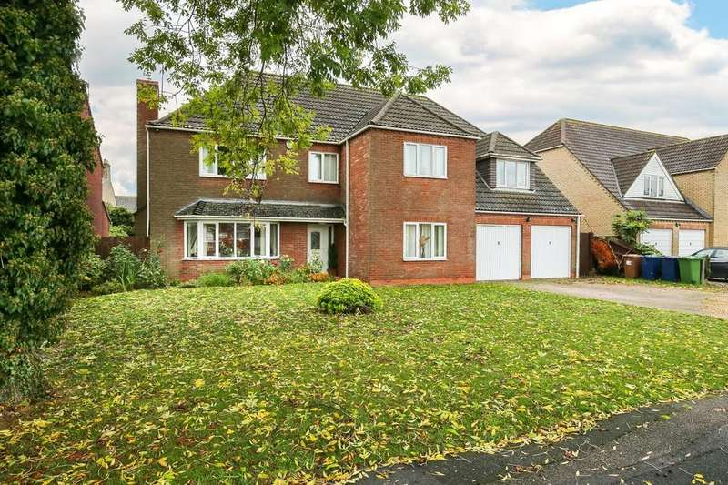 5 Bedrooms Detached House for sale in Stonecross Way, March, PE15