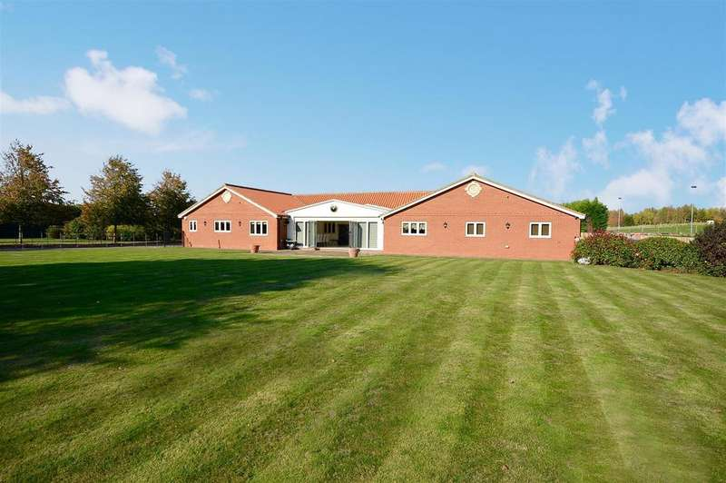5 Bedrooms Bungalow for sale in Bellwood Grange Farm, Brampton, Lincoln