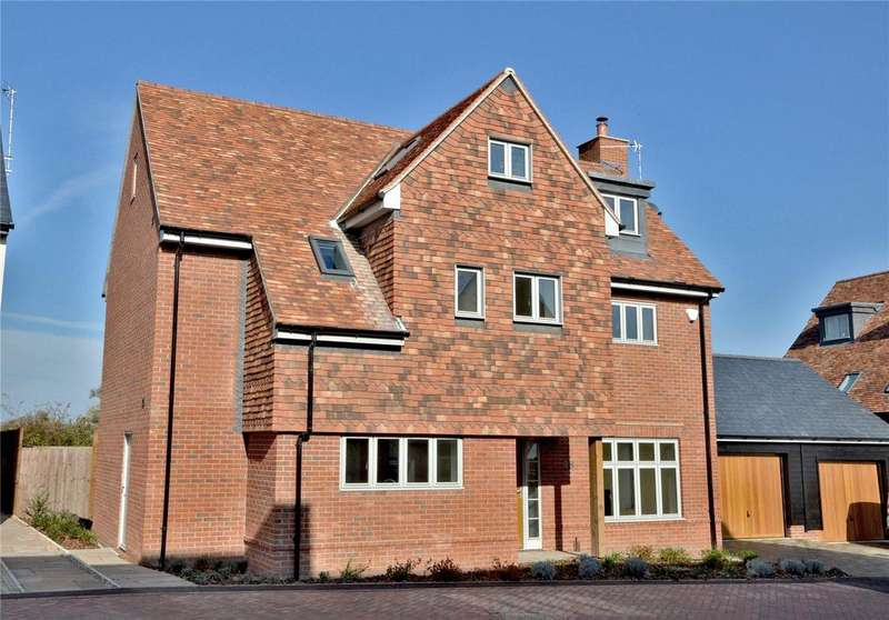 4 Bedrooms Detached House for sale in Gillon Way, Radwinter, Nr Saffron Walden, Essex, CB10