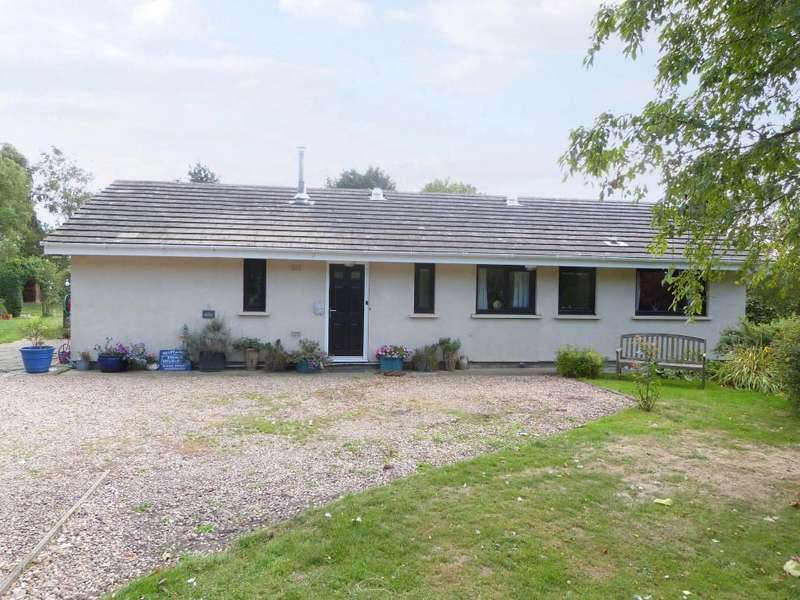 3 Bedrooms Bungalow for sale in South Somercotes LINCOLNSHIRE