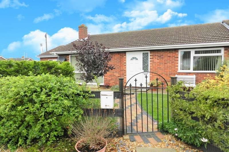 3 Bedrooms Semi Detached Bungalow for sale in Marine Avenue, Sutton-On-Sea, Mablethorpe, LN12