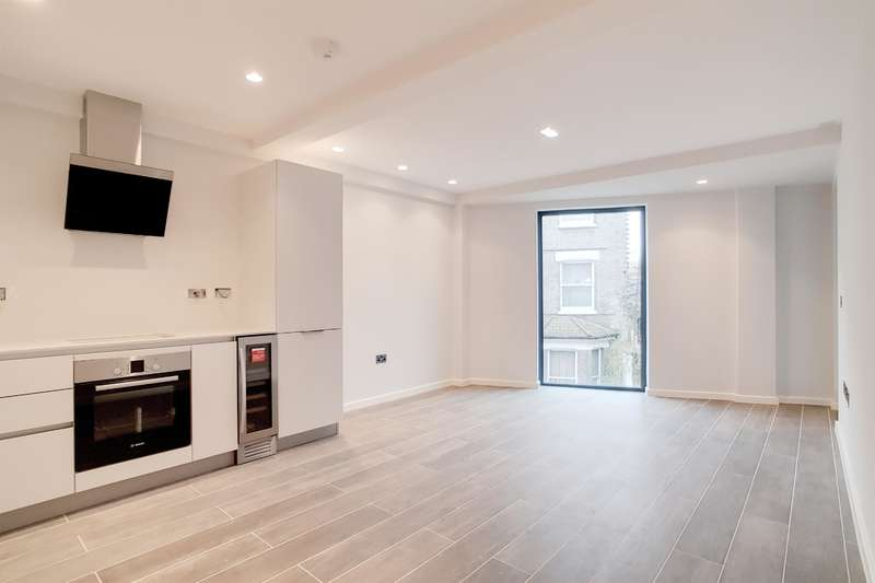 1 Bedroom Flat for sale in Boundary Lane, London, SE17 2BH