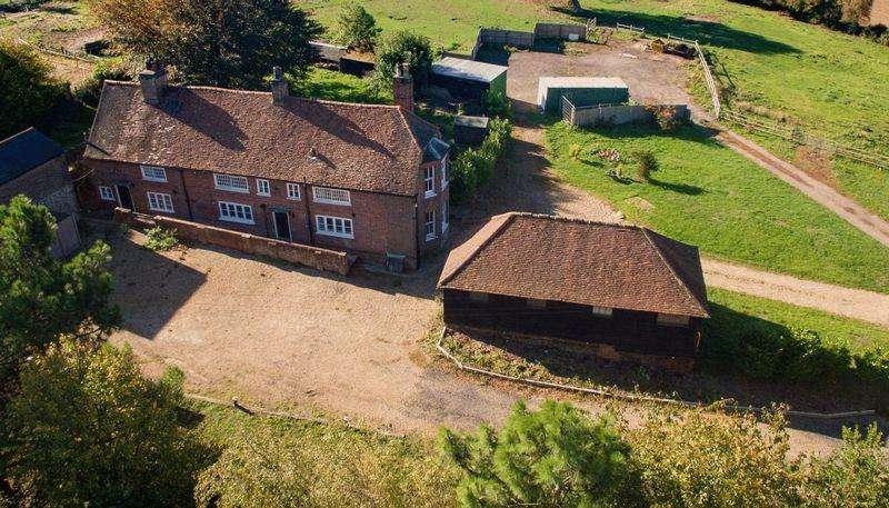 4 Bedrooms Farm House Character Property for sale in Hemel Hempstead Road, Redbourn