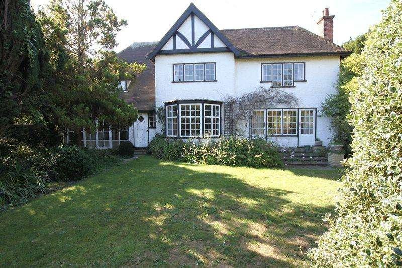 5 Bedrooms Detached House for sale in Kingsdown