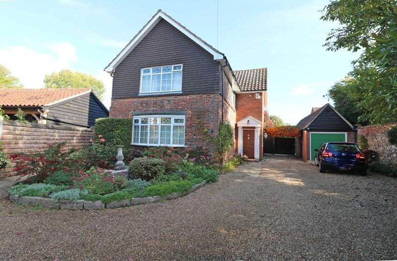 3 Bedrooms Detached House for sale in Cock Street, Wymondham