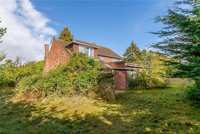 4 Bedrooms Detached House for sale in Pinchington Lane, Newbury, RG14