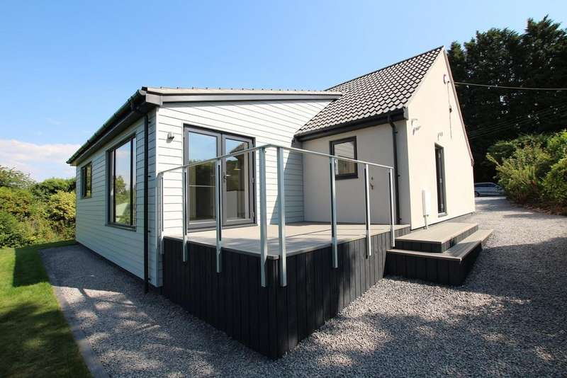 4 Bedrooms Detached Bungalow for sale in Four bedroom Contemporary detached home