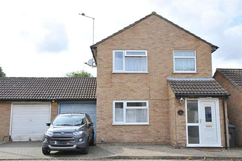 3 Bedrooms Detached House for sale in Birchwood, Orton Goldhay, Peterborough