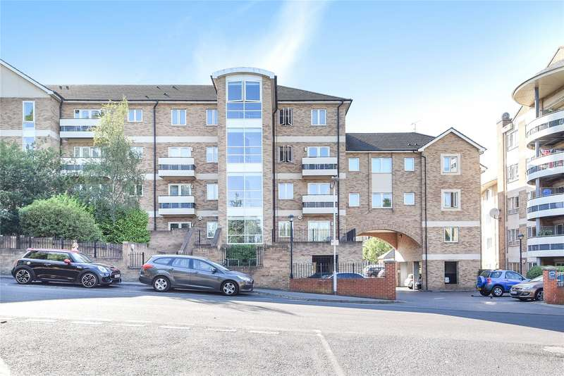 3 Bedrooms Apartment Flat for sale in Branagh Court, Reading, Berkshire, RG30