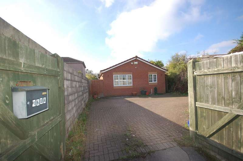 2 Bedrooms Bungalow for sale in Whiteway Road, Bristol, BS5 7RP