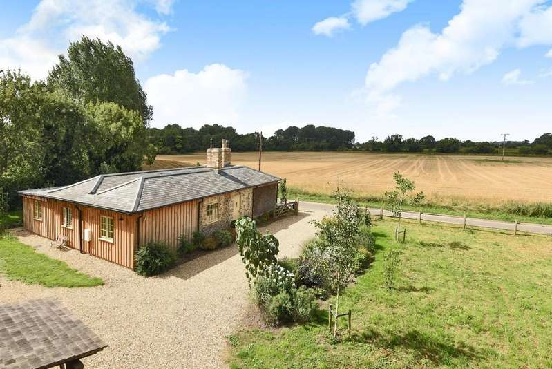 3 Bedrooms Detached Bungalow for sale in Beachamwell