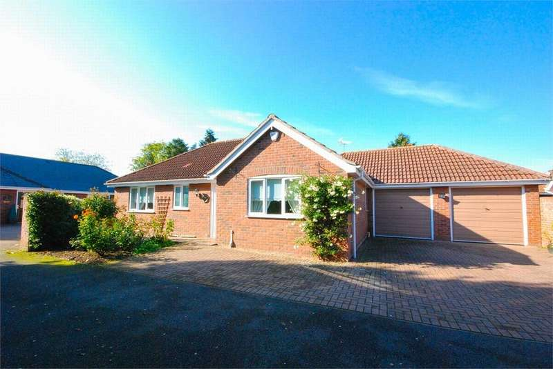 3 Bedrooms Detached Bungalow for sale in Berechurch Hall Road, Colchester, Essex