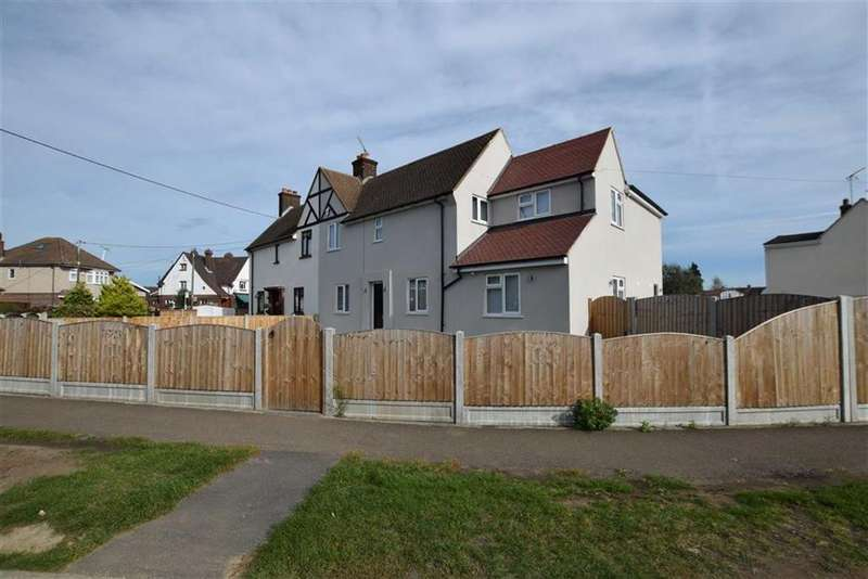5 Bedrooms Semi Detached House for sale in Corringham Road, Stanford-le-hope, Essex