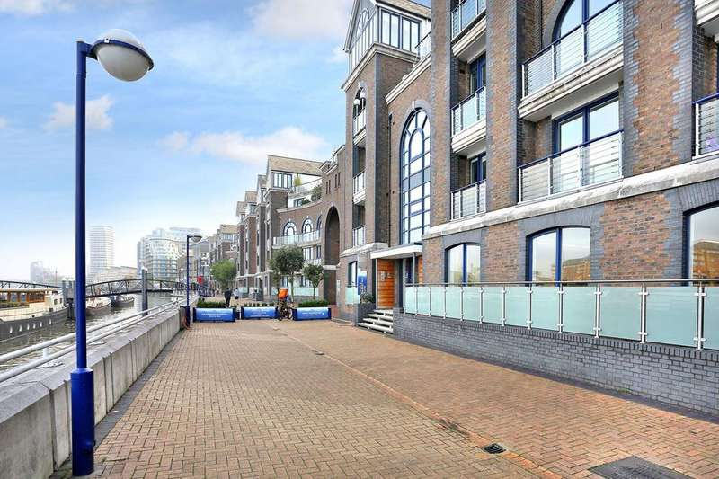 2 Bedrooms Apartment Flat for sale in Ivory West, Clove Hitch Quay, Battersea, SW11