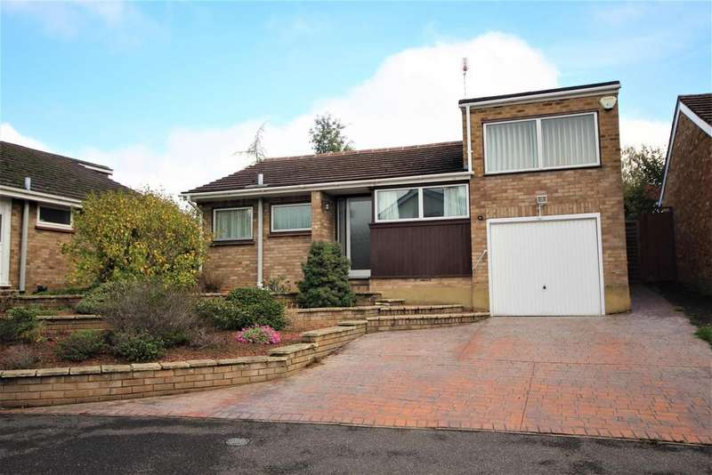 3 Bedrooms Detached Bungalow for sale in Pine Grove, Twyford, Reading