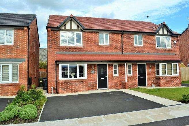 3 Bedrooms Semi Detached House for sale in Longridge Drive, Netherton