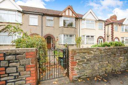 3 Bedrooms Terraced House for sale in Kingsway, St. George, Bristol, Somerset