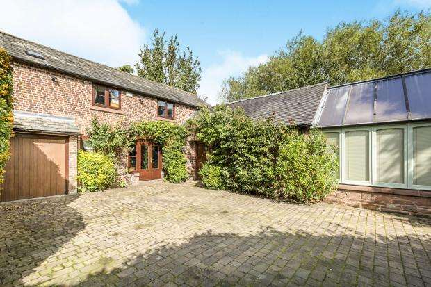 3 Bedrooms Detached House for sale in Ferry Lane, THELWALL, Warrington, WA4