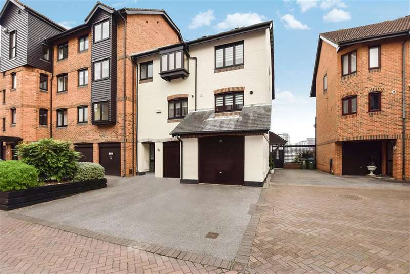 3 Bedrooms Town House for sale in Channel Way, Ocean Village, Southampton, SO14 3GQ
