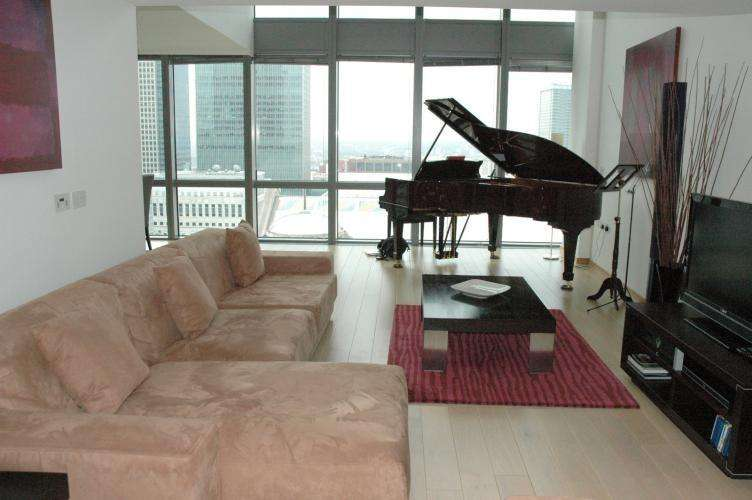 3 Bedrooms Apartment Flat for rent in Hertsmere Road, Canary wharf, London, E14