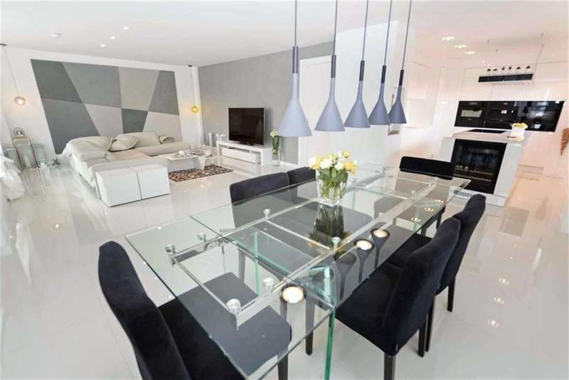 2 Bedrooms Penthouse Flat for sale in The Base, Castlefield, Manchester, M15