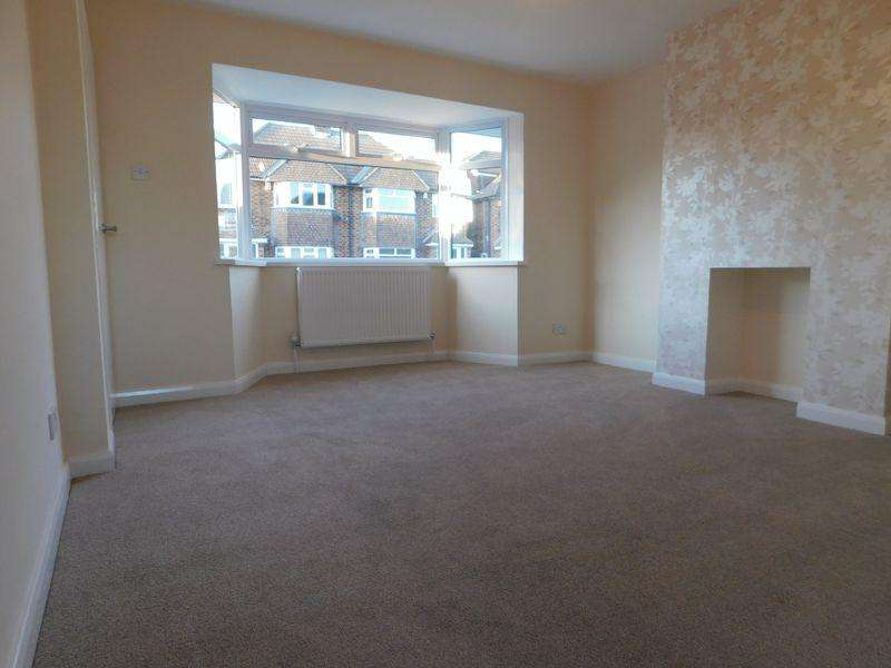 3 Bedrooms Semi Detached House for sale in Maple Avenue, Braunstone Town/Leicester Forest East Border
