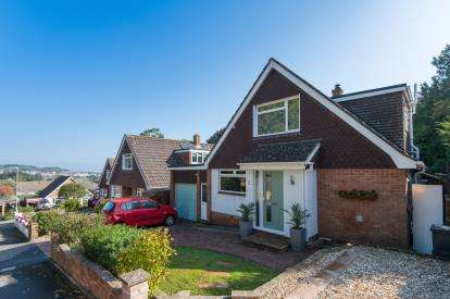 4 Bedrooms Bungalow for sale in Dawlish, Devon, .