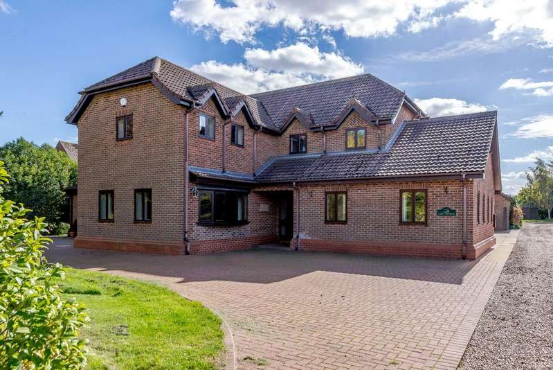 5 Bedrooms Equestrian Facility Character Property for sale in The Shires, South Road, Tetford, Horncastle, LN9