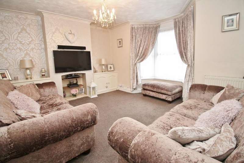 4 Bedrooms Semi Detached House for sale in Castle Street, Swanscombe