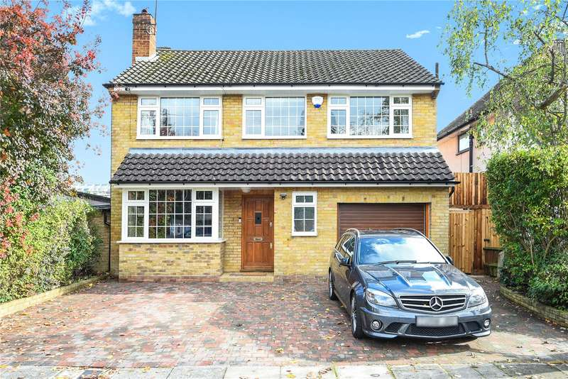 4 Bedrooms Detached House for sale in The Gardens, Watford, Hertfordshire, WD17