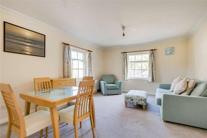2 Bedrooms Flat for sale in Dunsford Court, 28 Broomhill Road, London