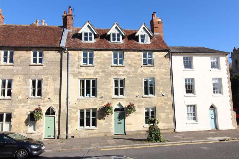 5 Bedrooms Town House for sale in High Street, Stony Stratford, Milton Keynes