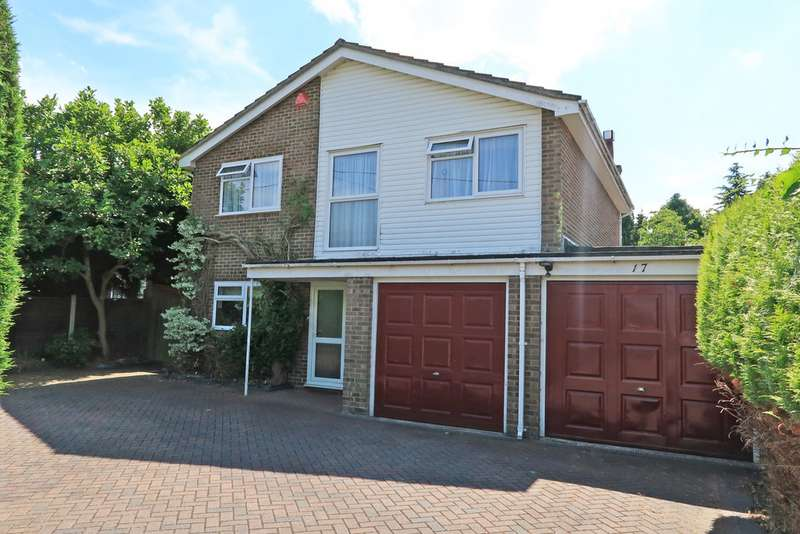 4 Bedrooms Detached House for sale in Sheldons Road, Hook RG27