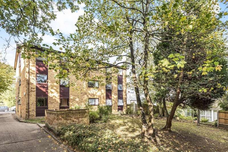 2 Bedrooms Flat for sale in Auckland Road, Crystal Palace