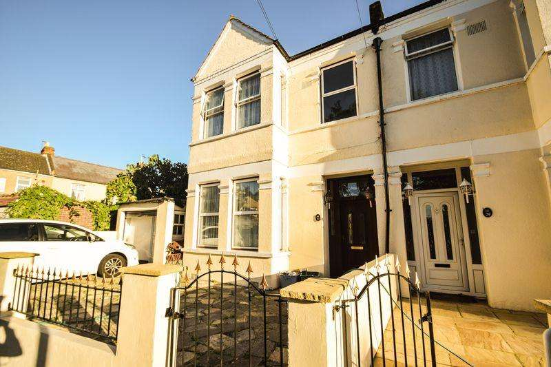 4 Bedrooms Semi Detached House for sale in Norfolk Road