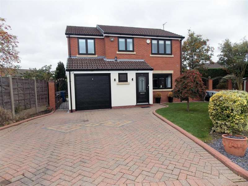 4 Bedrooms Detached House for sale in Charnwood Close, Tyldesley, Manchester