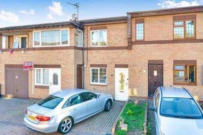 4 Bedrooms Terraced House for sale in Richardson Place, Oldbrook, Milton Keynes, Buckinghamshire