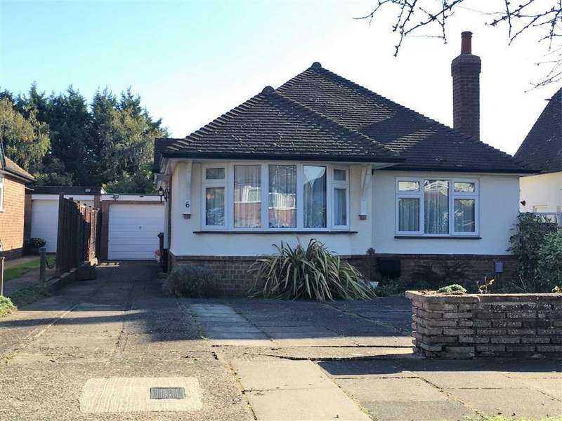 2 Bedrooms Detached Bungalow for sale in Frensham Drive, Hitchin, SG4