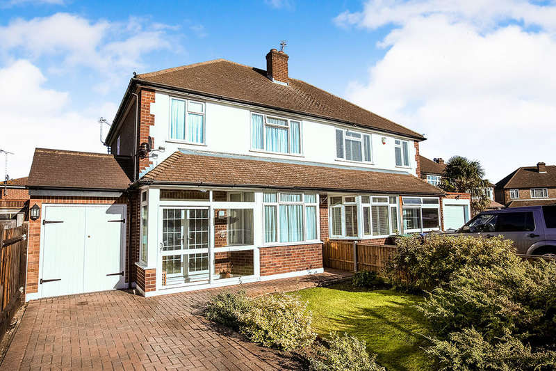3 Bedrooms Semi Detached House for sale in Cumberland Drive, Chessington, KT9