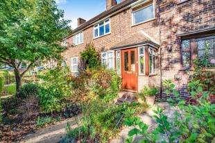 2 Bedrooms Terraced House for sale in Birdbrook Road, London