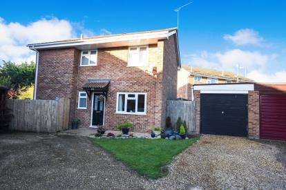 4 Bedrooms Detached House for sale in Southend On Sea, Essex, Uk