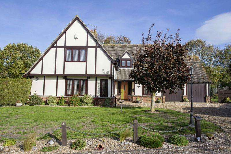 3 Bedrooms Detached House for sale in Rectory Place, Denham