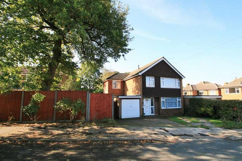 4 Bedrooms Detached House for sale in Newton Close, Braintree, CM7