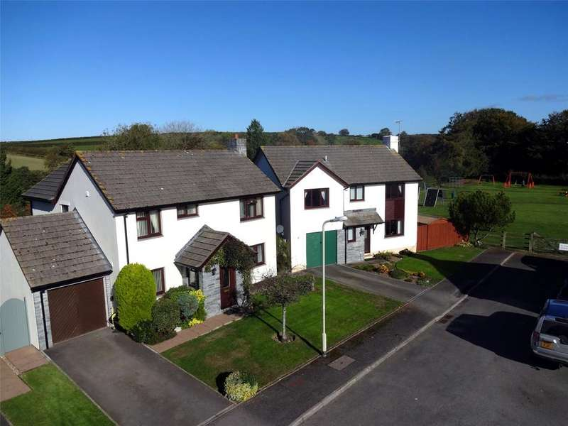 4 Bedrooms Detached House for sale in The Paddocks, Dolton