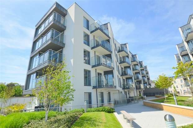 3 Bedrooms Flat for sale in Beacon Road, Bournemouth, Dorset