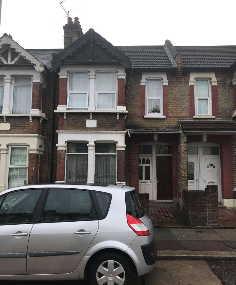 2 Bedrooms Apartment Flat for sale in Burges Road, East Ham, London, E6 2BS